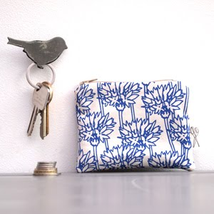 https://www.etsy.com/uk/listing/242857017/coin-purse-cornflower-print?ref=related-2