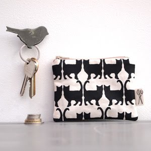https://www.etsy.com/uk/listing/453704820/coin-purse-cat-print?ref=related-7